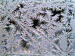 Мороз выводит на стекле